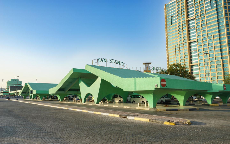 taxi stand in abu dhabi