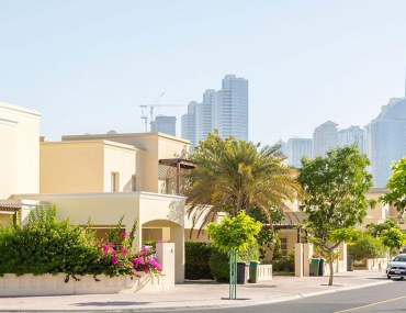 where are the best villas for rent in The Meadows