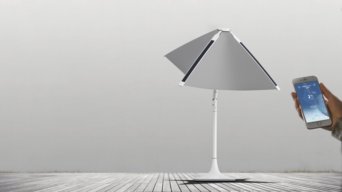 the shadecraft umbrella operated by a smartphone