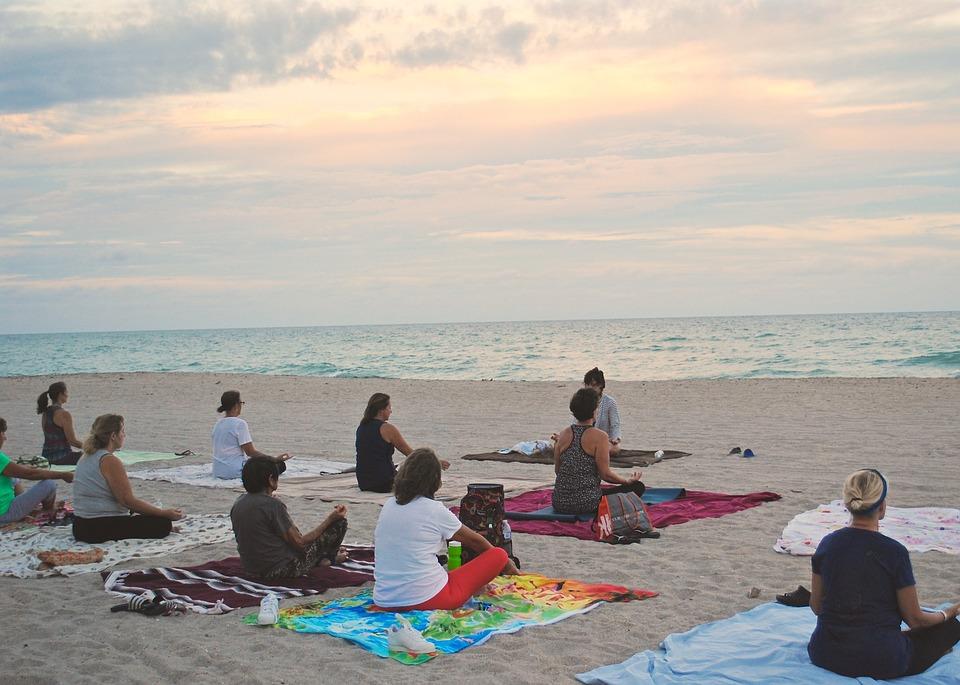 8 Things to do During Ramadan 2017 by Bayut: Meditating